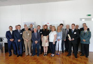 Átadtuk az elmaradt Nemzetközi Adó- és Vámkonferencia díjait Debrecenben